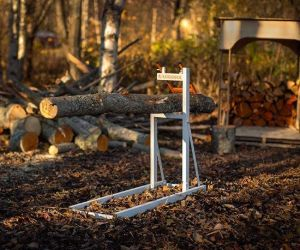chainsaw stand for cutting logs
